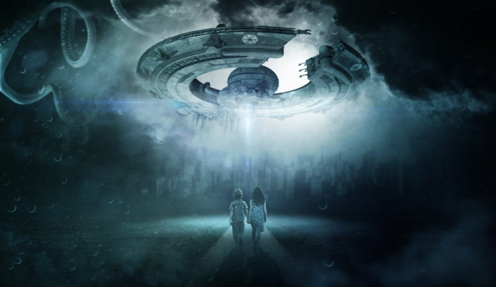 two girls and a spaceship in lucid dreaming